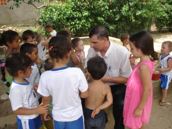 ronaldo_visita_centros_infantis